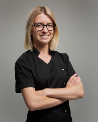 Lek dent Sylwia Roguzińska